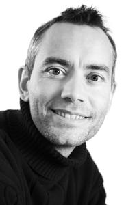 Claus Boesen fotograf. portræt, fotojournalistik, reportage, reklame, kommunikation, virksomhedsportrætter og hjemmesider. Fotograf Tikøb. Fotograf Nordsjælland